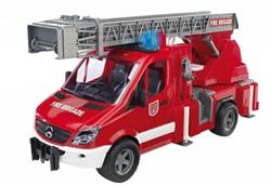 Bruder  - MB sprinter brandweer met licht en geluid ( incl. batterij )