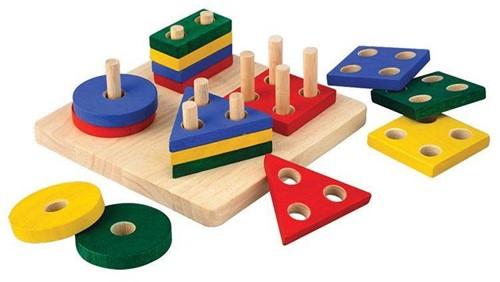 Plan Toys houten geometrisch sorteerbord